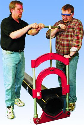 применение трубореза-гильотины для полиэтиленовых труб рид reed